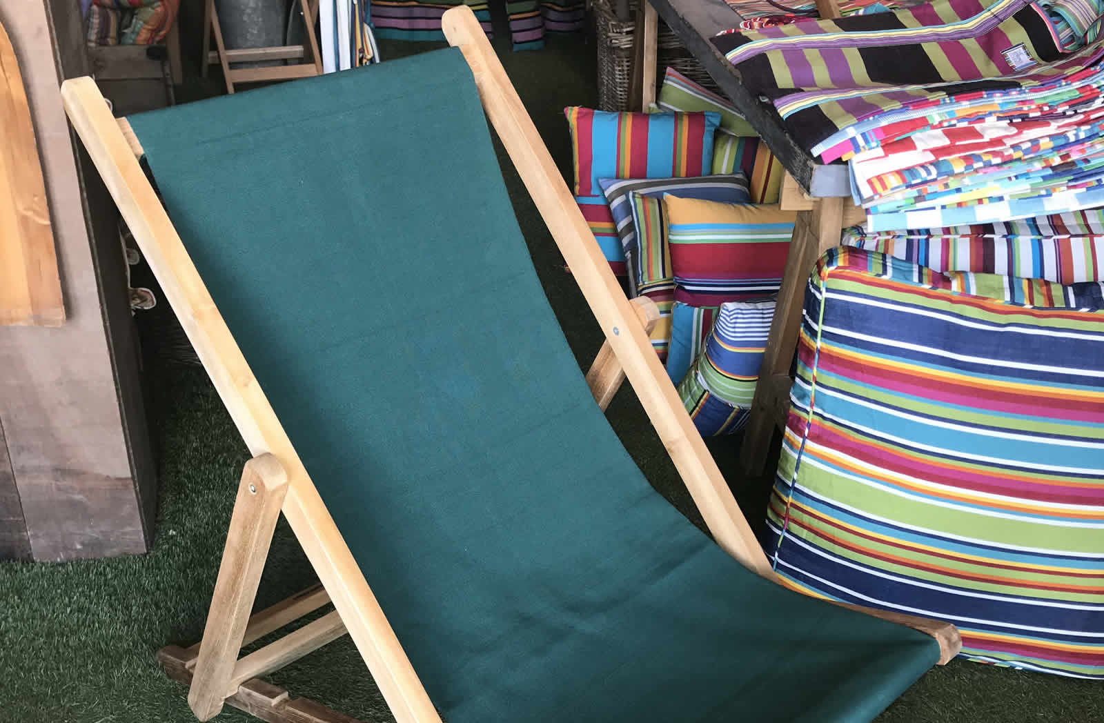 Dark Green Deckchairs