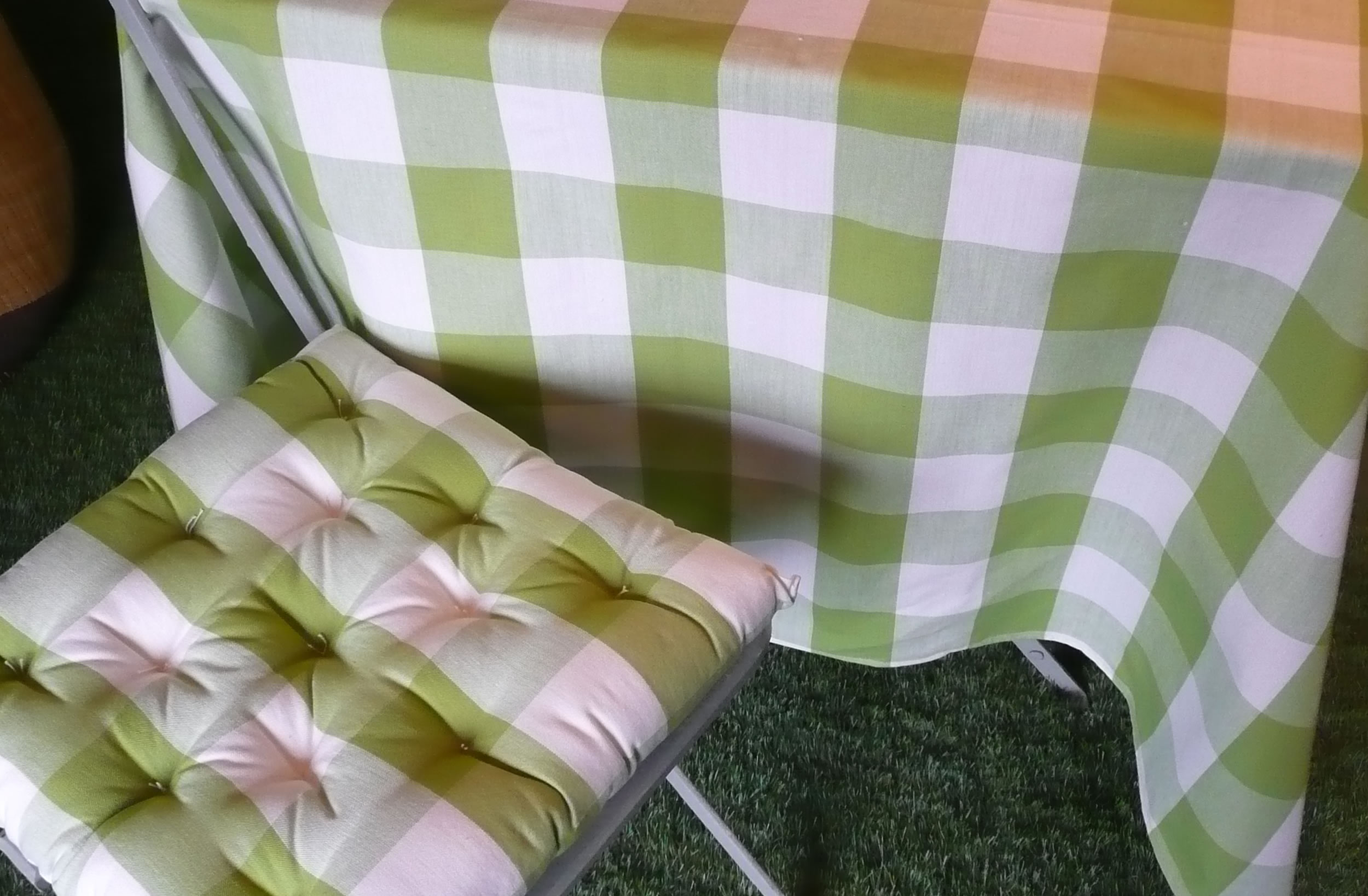Gingham large Check Tablecloths - Green & White Checks