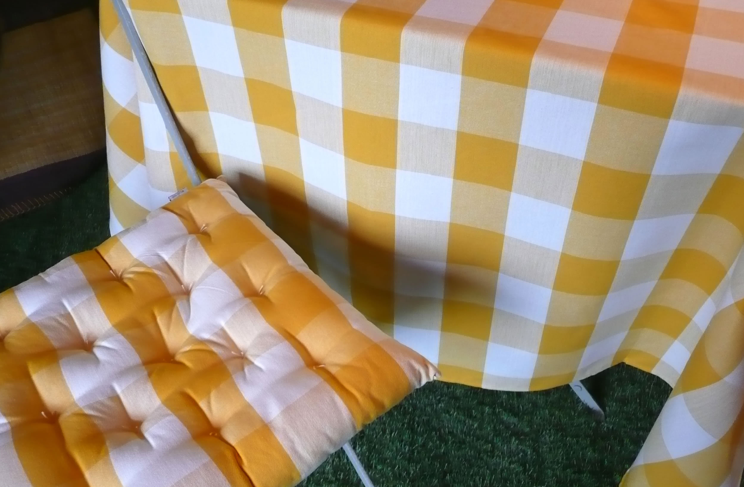 Gingham Tablecloths-Yellow & White